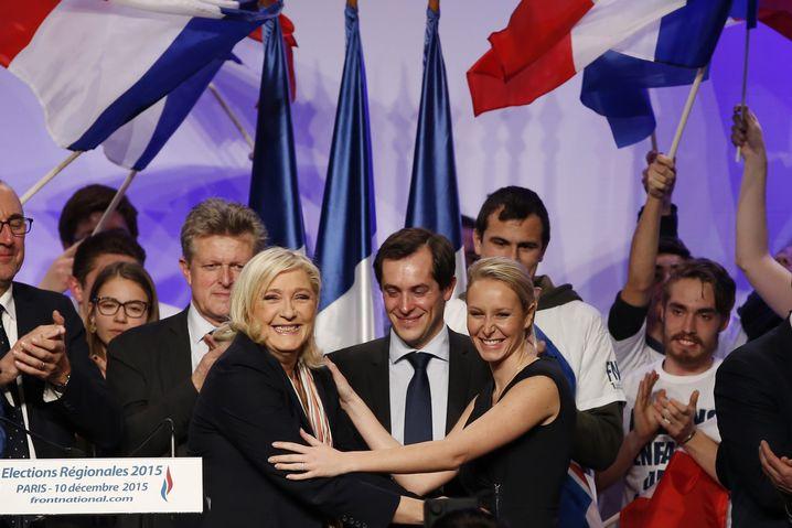 2015 traten Marine Le Pen (links) und ihre Nichte Marion (rechts) noch gemeinsam auf