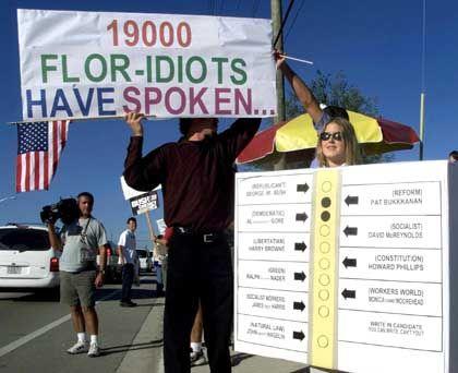 """Demonstration nach der US-Wahl 2000 in West Palm Beach: """"19.000 Flor-idioten haben gesprochen"""""""