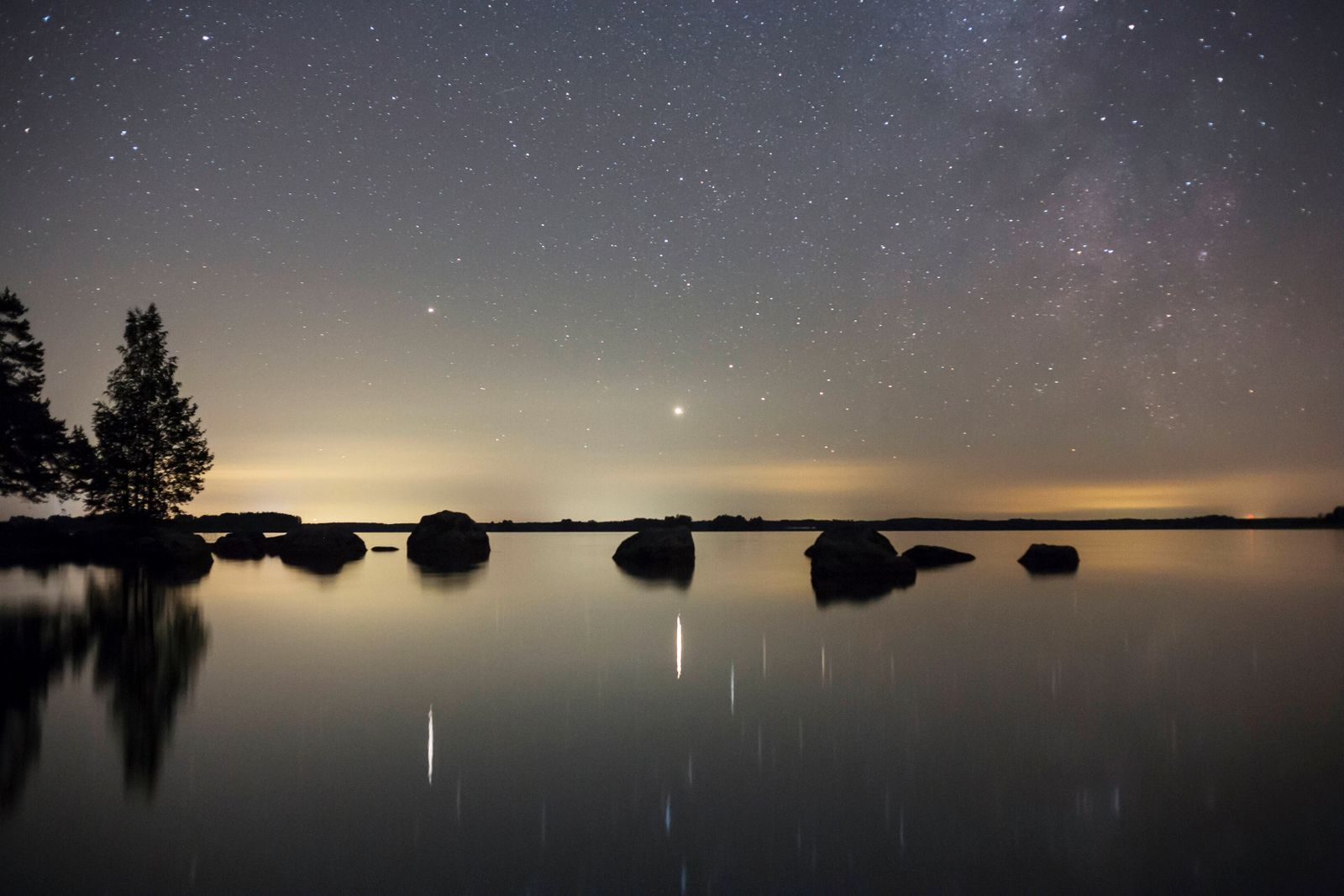 The planets Saturn and Jupiter and a part of the Milky Way Sverige SCI x11050x *** The planets Saturn and Jupiter and a