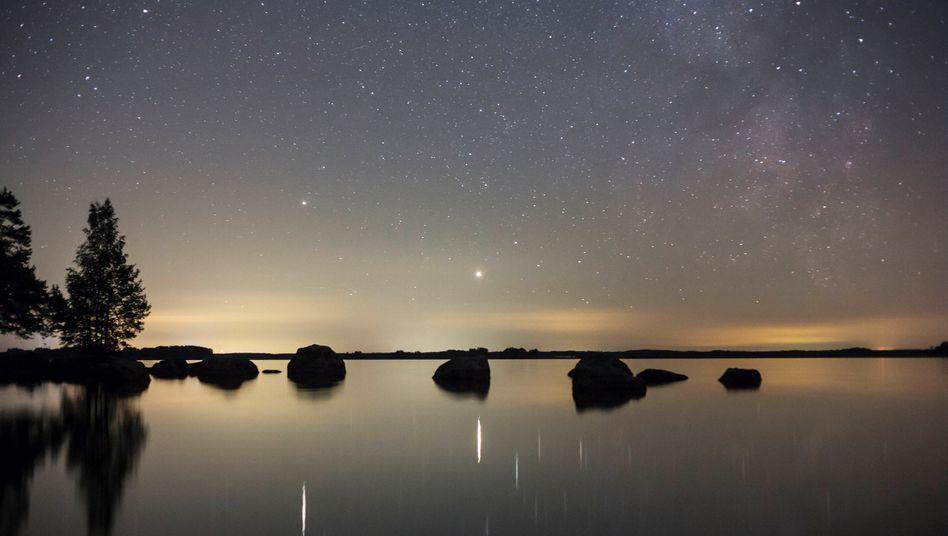Abendhimmel im September: Die Planeten Jupiter und Saturn rücken immer näher zusammen