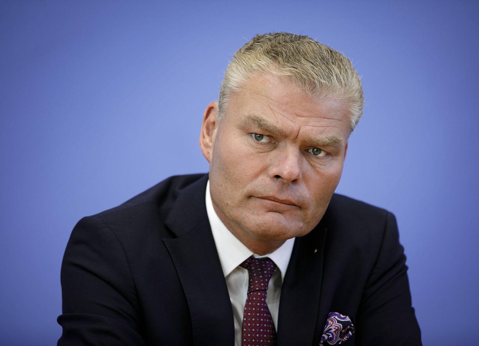 Holger Stahlknecht, IMK-Vorsitzender und Innenminister des Landes Sachsen-Anhalt (CDU), bei der Vorstellung der Polizei