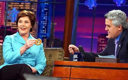"""Laura Bush und Jay Leno: """"Viele Witze über die Brezel gemacht"""""""