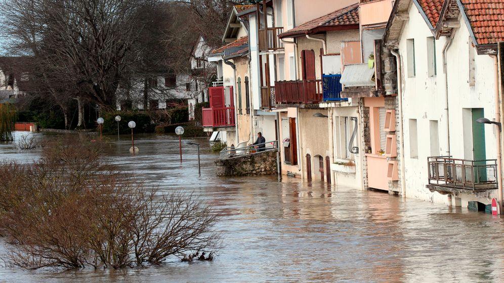 Unwetter in Frankreich: Gemeinden unter Wasser