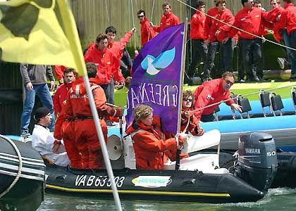 Lorient: Greenpeace-Boot rammt Jacht
