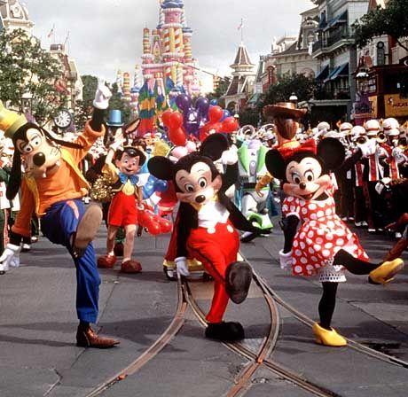 Orlando: Goofy, Mickey und Minni Mouse wollen in sauberer Unterwäsche lustig sein.