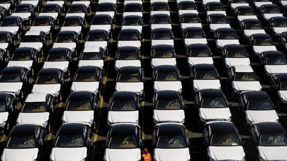 Mercedes-Limousinen in Bremerhaven: Exporte im Wert von 4,4 Milliarden Euro