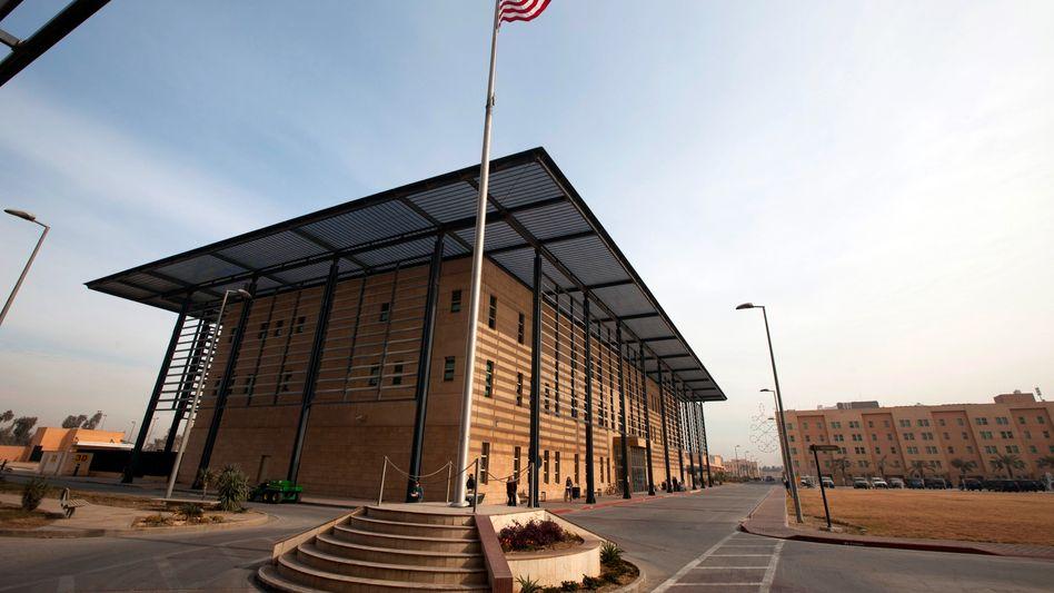 Gebäude auf dem Gelände der US-Botschaft in Bagdad (2011)