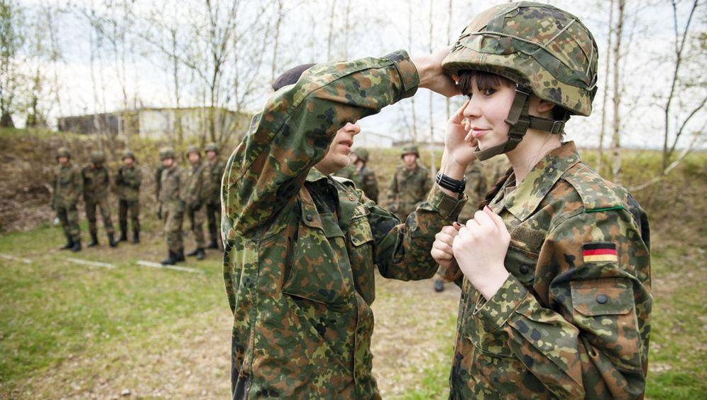 Ortstermin Bundeswehr: Highheels und Hindernisse