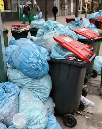 """Überquellende Mülltonnen: """"Wir holen schließlich nach dem Streik den kompletten Müll ab"""""""
