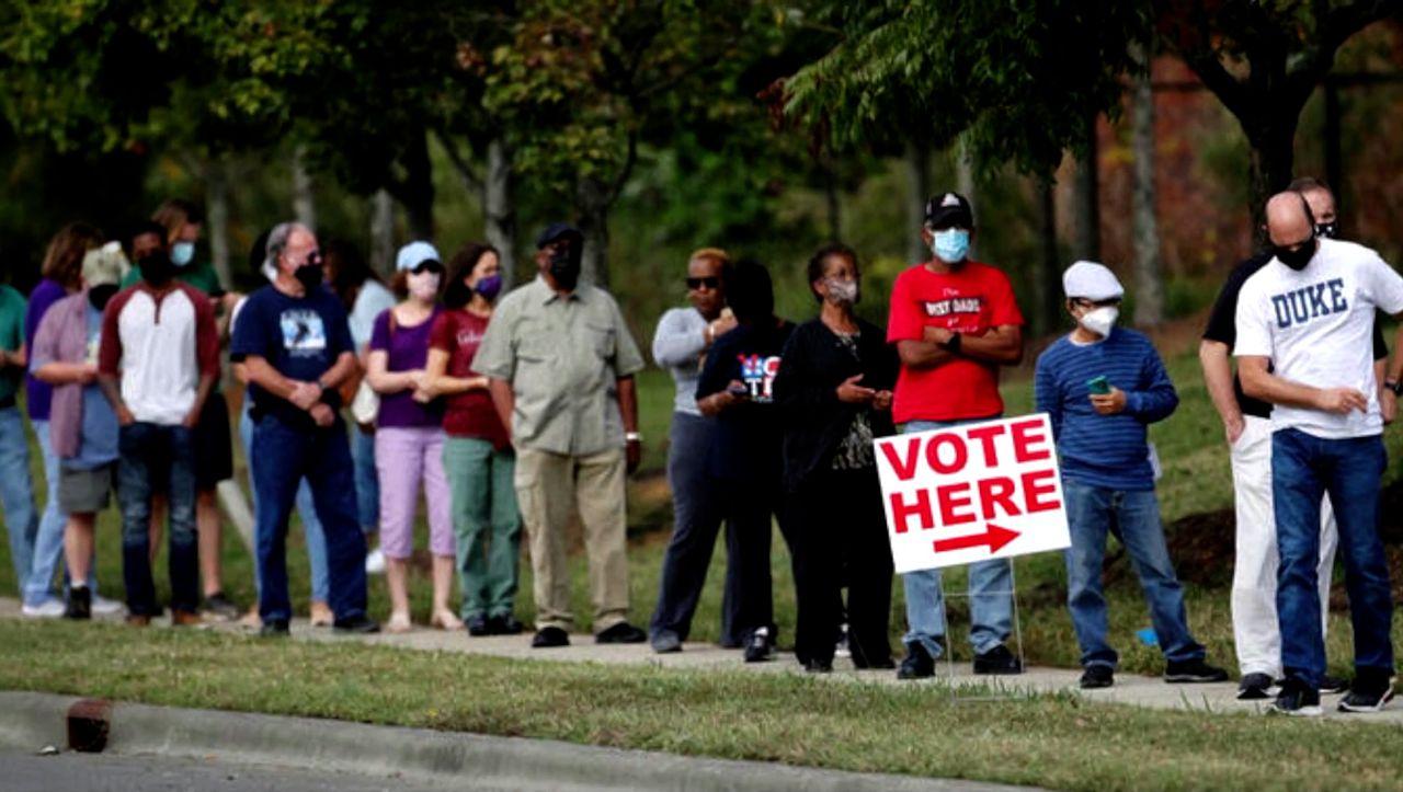 US-Wahl: Stundenlanges Warten bei Stimmabgabe - DER SPIEGEL - Politik