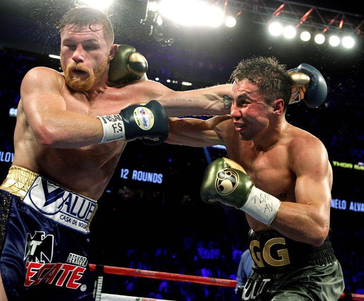 Álvarez (links) im Kampf gegen Gennady Golovkin