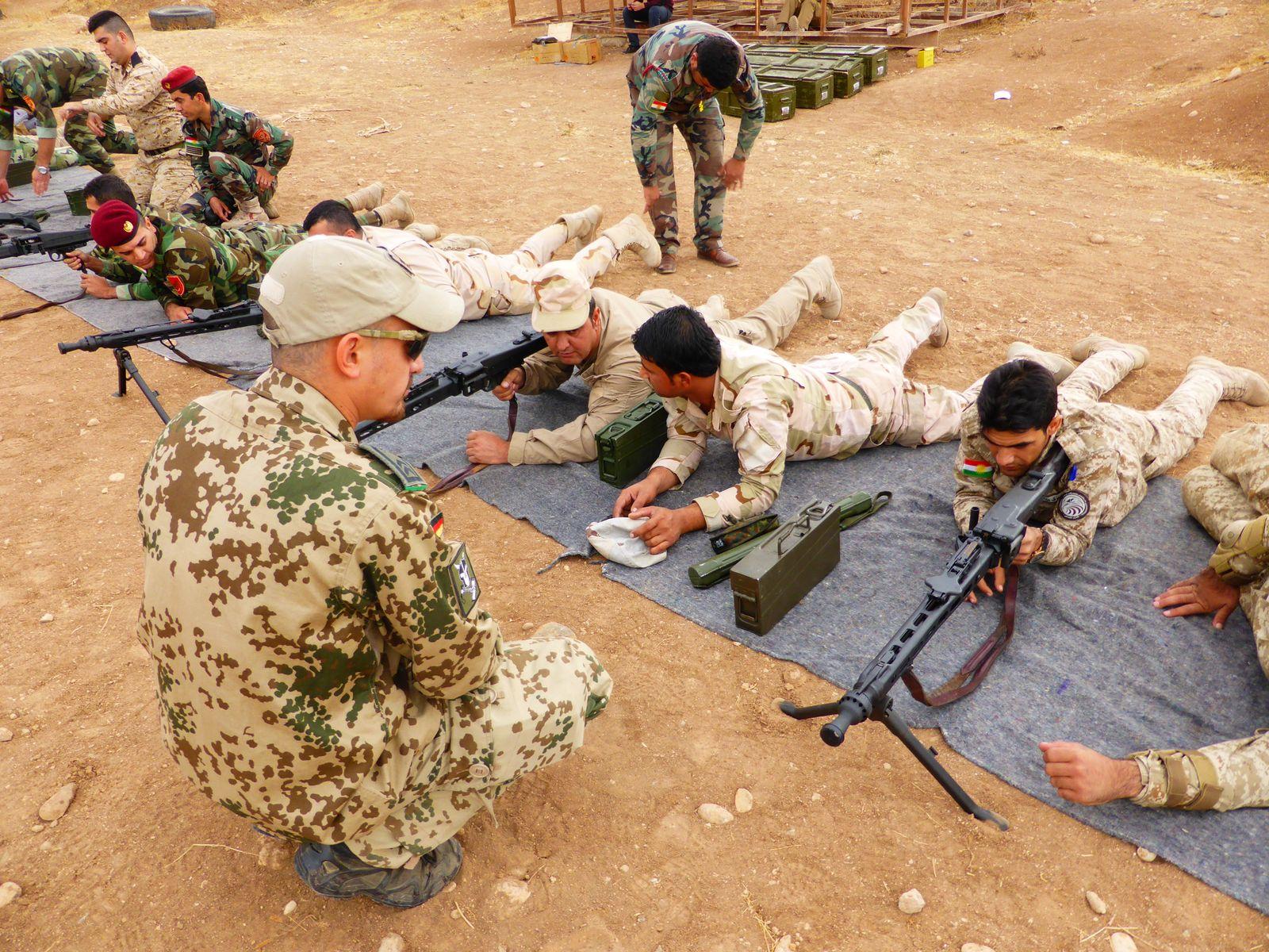 Waffenausbildung im Nordirak