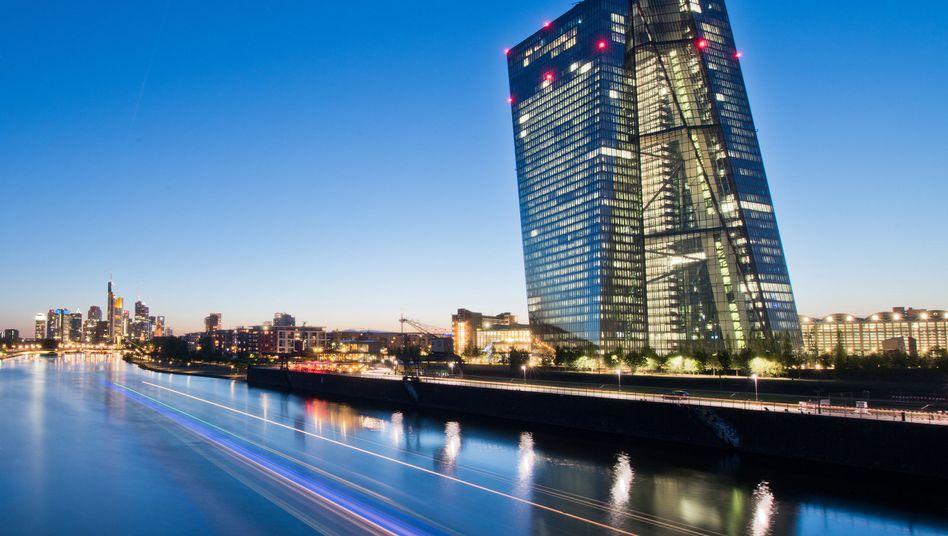 Zentrale der Europäischen Zentralbank in Frankfurt am Main: Transparenz versprochen