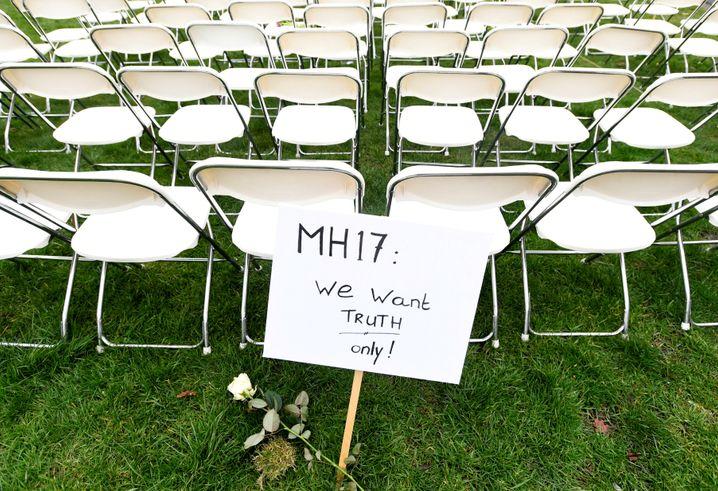 """Protestaktion der MH17-Angehörigen: """"Wir wollen die Wahrheit"""""""