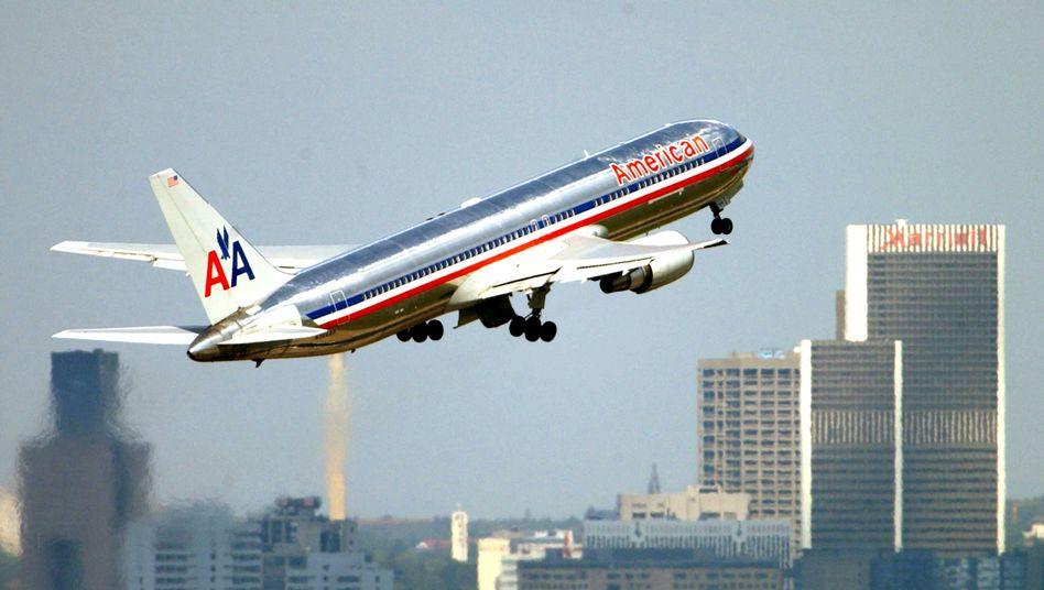 Maschine von American Airlines (Archivbild): Vorerst keine Flüge mehr über den Irak, Iran, den Persischen Golf sowie den Golf von Oman