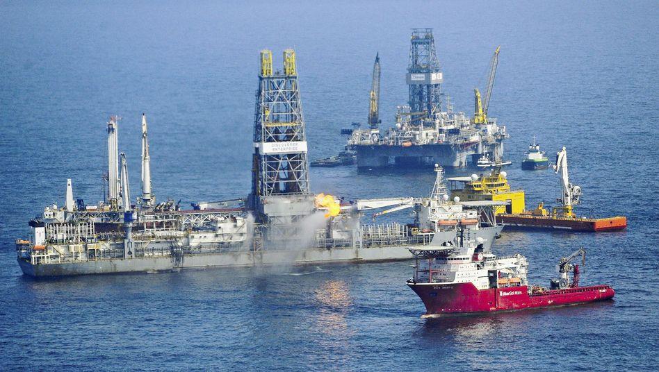 Arbeiten für Entlastungsbohrungen im Golf von Mexiko: 277 Kilometer Küste verschmutzt