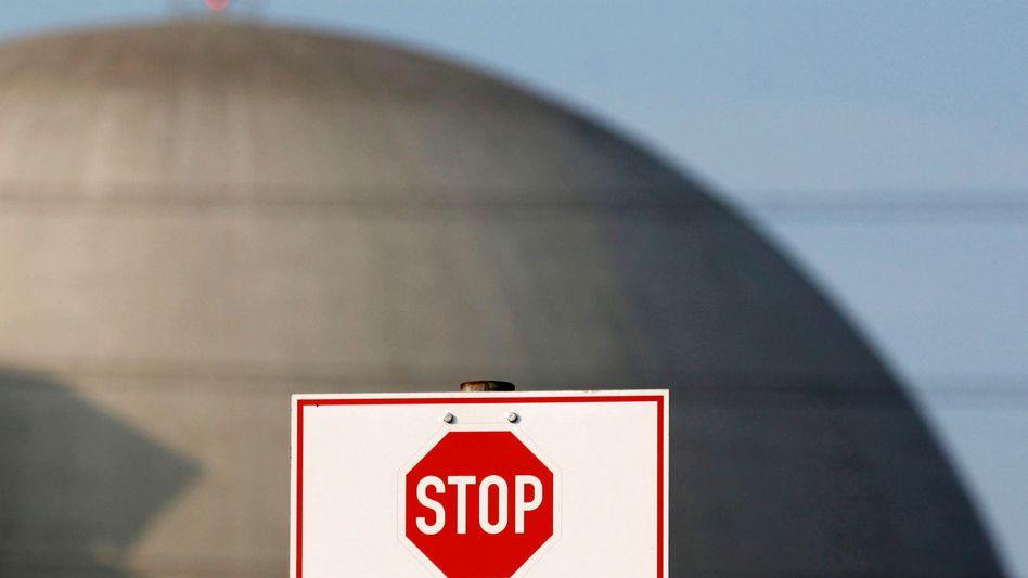 Atomkraftwerk in Deutschland: Acht der 17 Meiler sind derzeit vom Netz