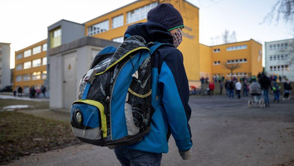 Grundschule in Thüringen (Symbolbild): Beschäftigte in diesem Bereich sollen besonders geschützt werden