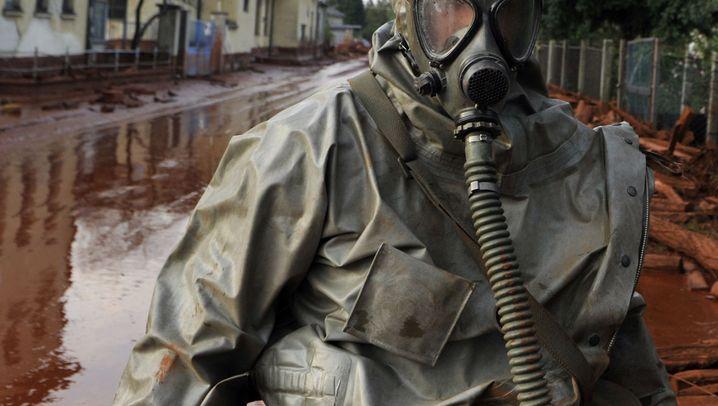 Ungarn: Giftschlamm bedroht mehrere Ortschaften