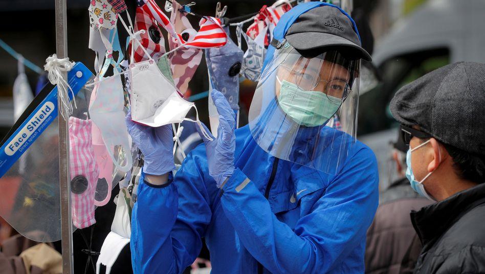 Die USA sind besonders schwer vom Coronavirus betroffen: Die Realwirtschaft steht still. Hier eine Straßenszene aus New York