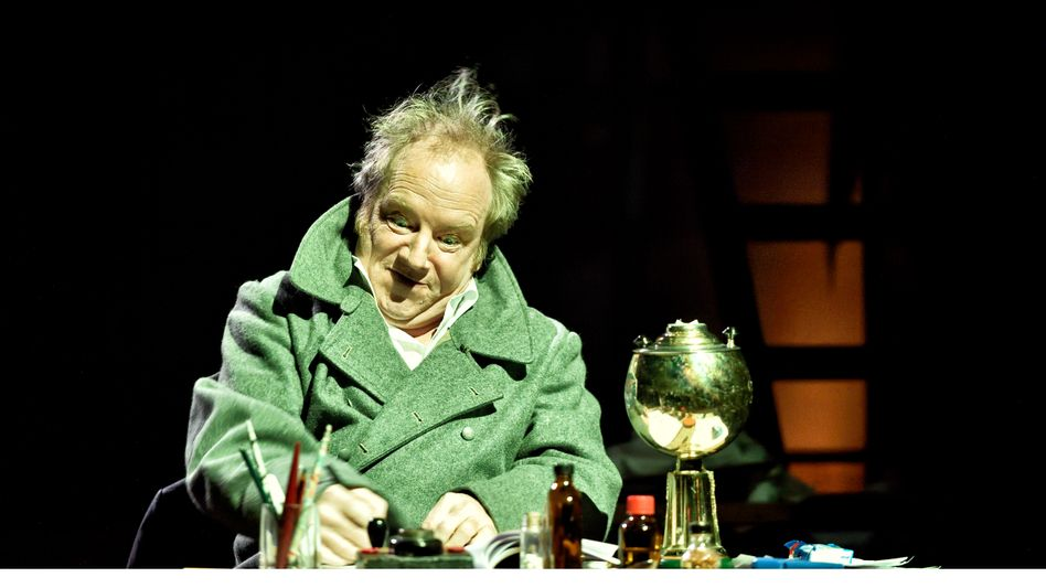 Martin Theuer in der Rolle des Fälschers Fritz Knobel