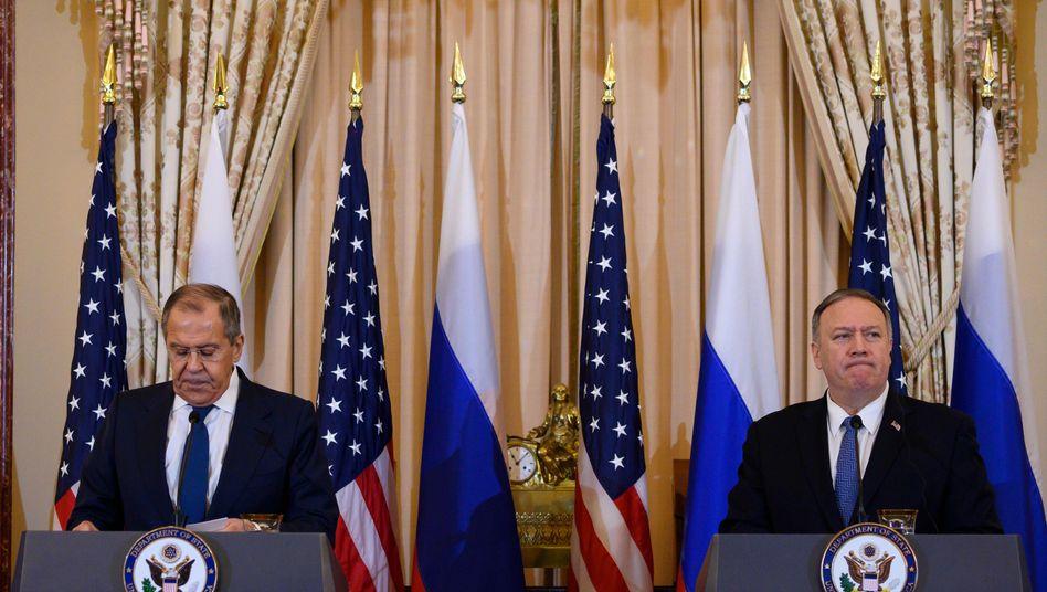 Russlands Außenminister Sergej Lawrow (links) mit seinem US-Amtskollegen Mike Pompeo in Washington.