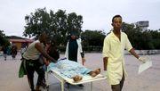 Bewaffnete stürmen Hotel in Mogadischu - mehrere Tote
