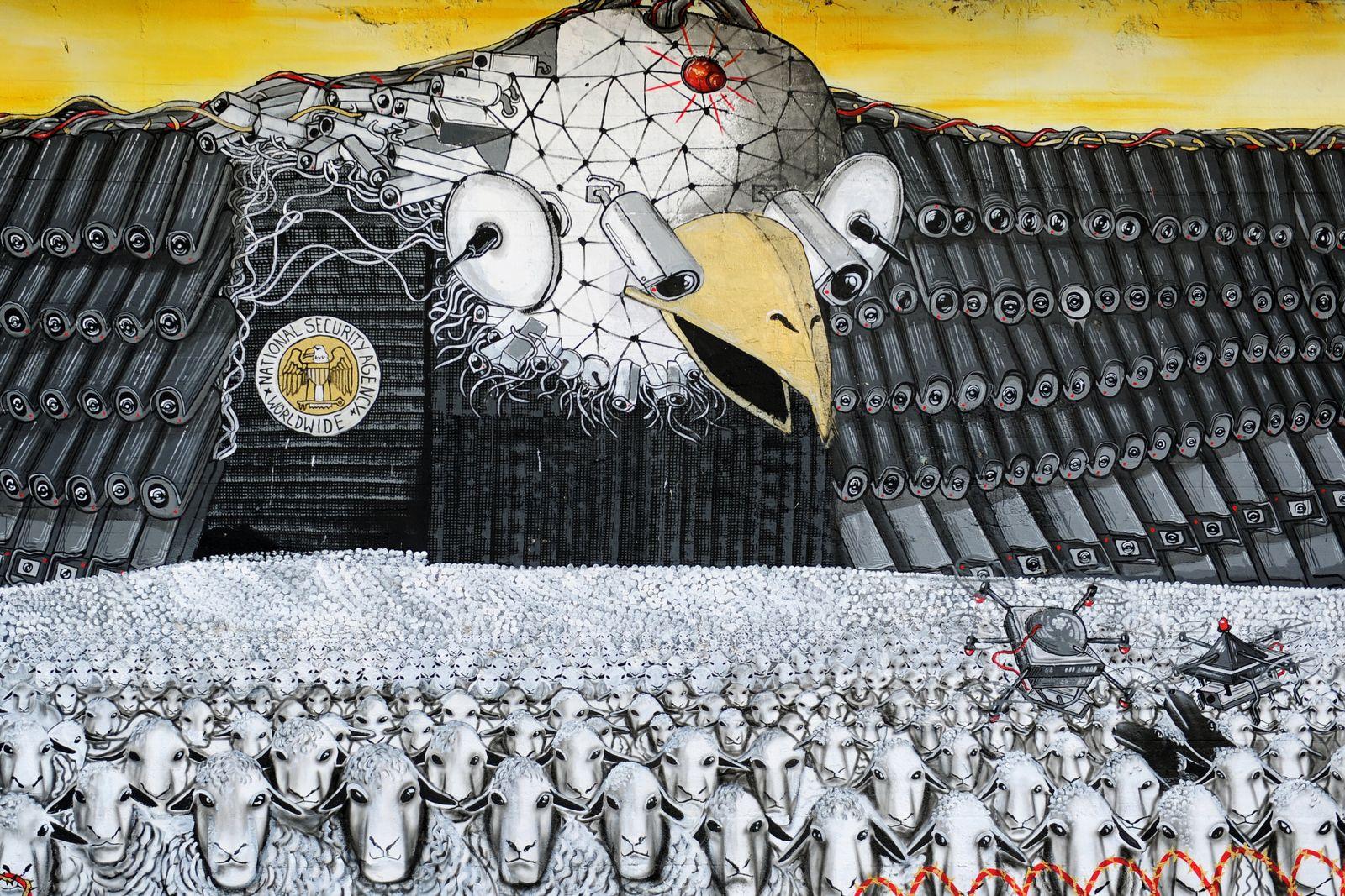 Wandgemälde zu NSA-Spähprogrammen