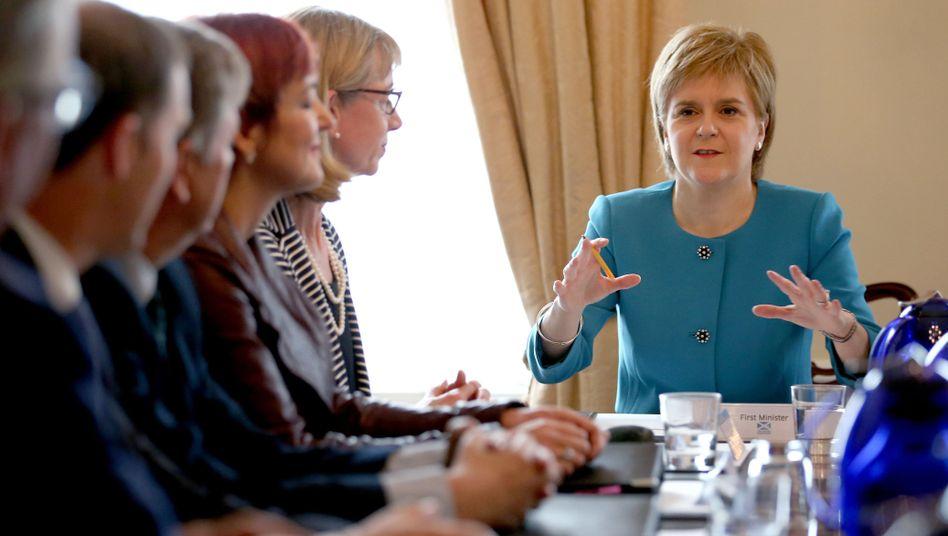 Schottlands Regierungschefin Nicola Sturgeon beim Kabinettstreffen