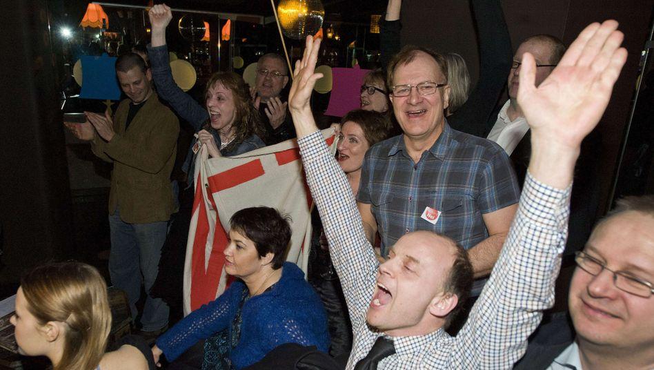Jubelnde Zahlungsgegner in Island: Kein Geld für Briten und Niederländer