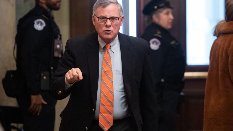 US-Senator Richard Burr: Aktien im Wert von bis zu 1,72 Millionen Dollar verkauft