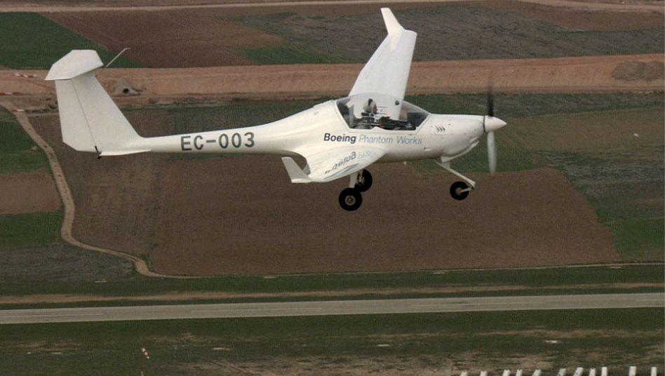 """Flugzeug mit Brennstoffzellenantrieb (in Spanien, 2008): """"Katalysator zum Nulltarif"""""""