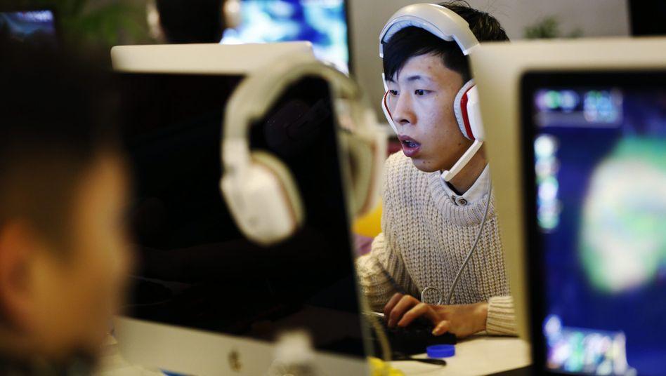 Chinesisches Internetcafé: Nach Angaben der Nachrichtenagentur Xinhua sind in China 650 Millionen Menschen online