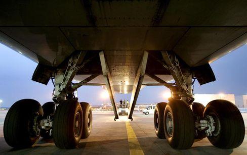Flugzeug auf dem Frankfurter Flughafen: Beifall gibt's schon für das Ausfahren des Fahrwerks