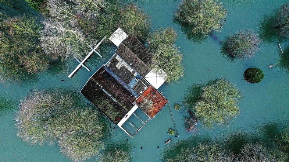 Überflutung am Rhein bei Mondorf, Nordrhein-Westfalen, im Februar: »Deutschland wird mehr Extremwetter erleben«