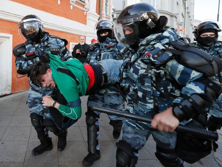 Nach der offiziellen Demo kam es zu Dutzenden Verhaftungen