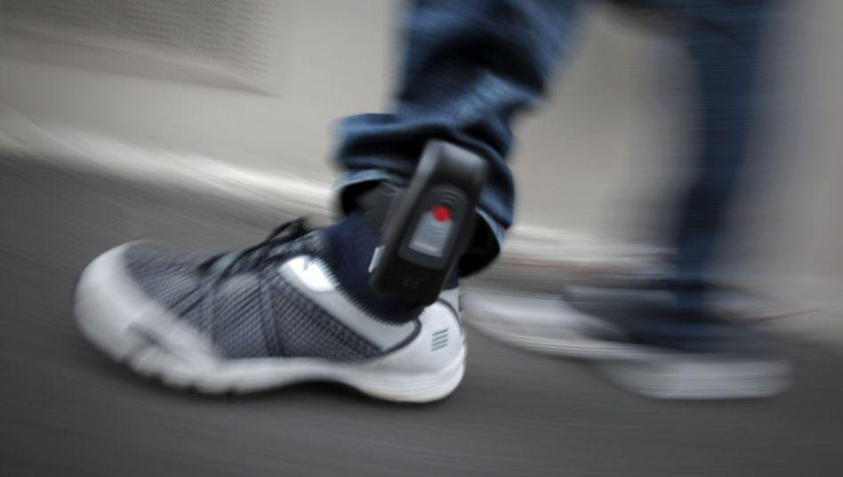 Elektronische Fußfessel (Archivbild)