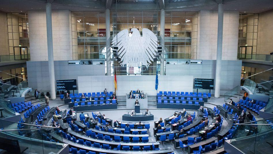 »Weitere Informationen« bei Netzpolitik.org nachlesen: Die IT-Abteilung des Bundestags verweist mit Blick auf das Datenleck auf Selbstinformation