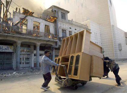 Bagdad am Samstag: Plünderer bestimmen weiterhin das Straßenbild