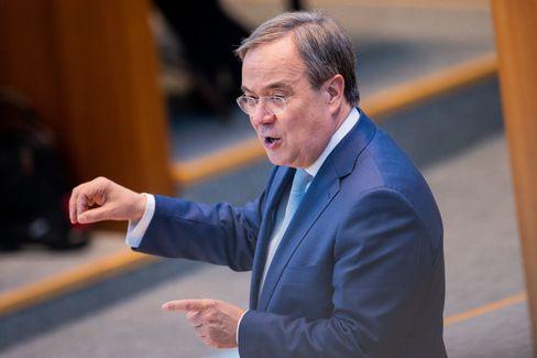 Kanzlerkandidat Laschet im Düsseldorfer Landtag: Viele Versprechen, unklare Finanzierung