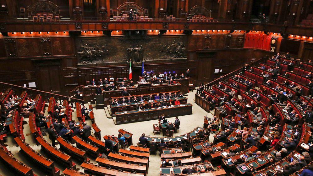 Italienisches Parlament: Fraktion, wechsle dich!