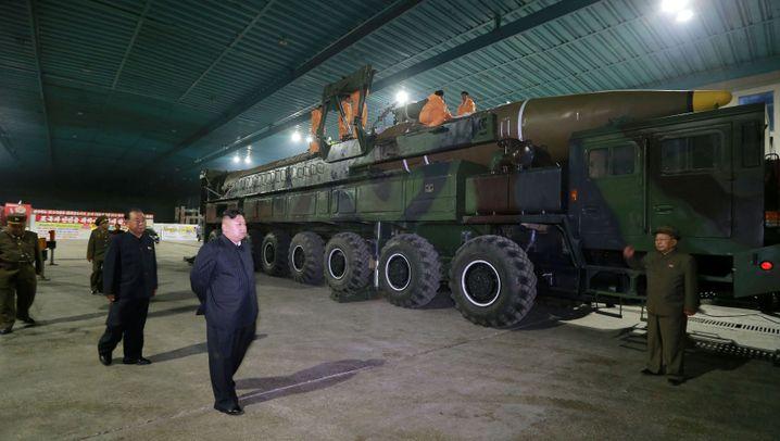 Nordkoreanischer Diktator: Kims Raketen-Protz