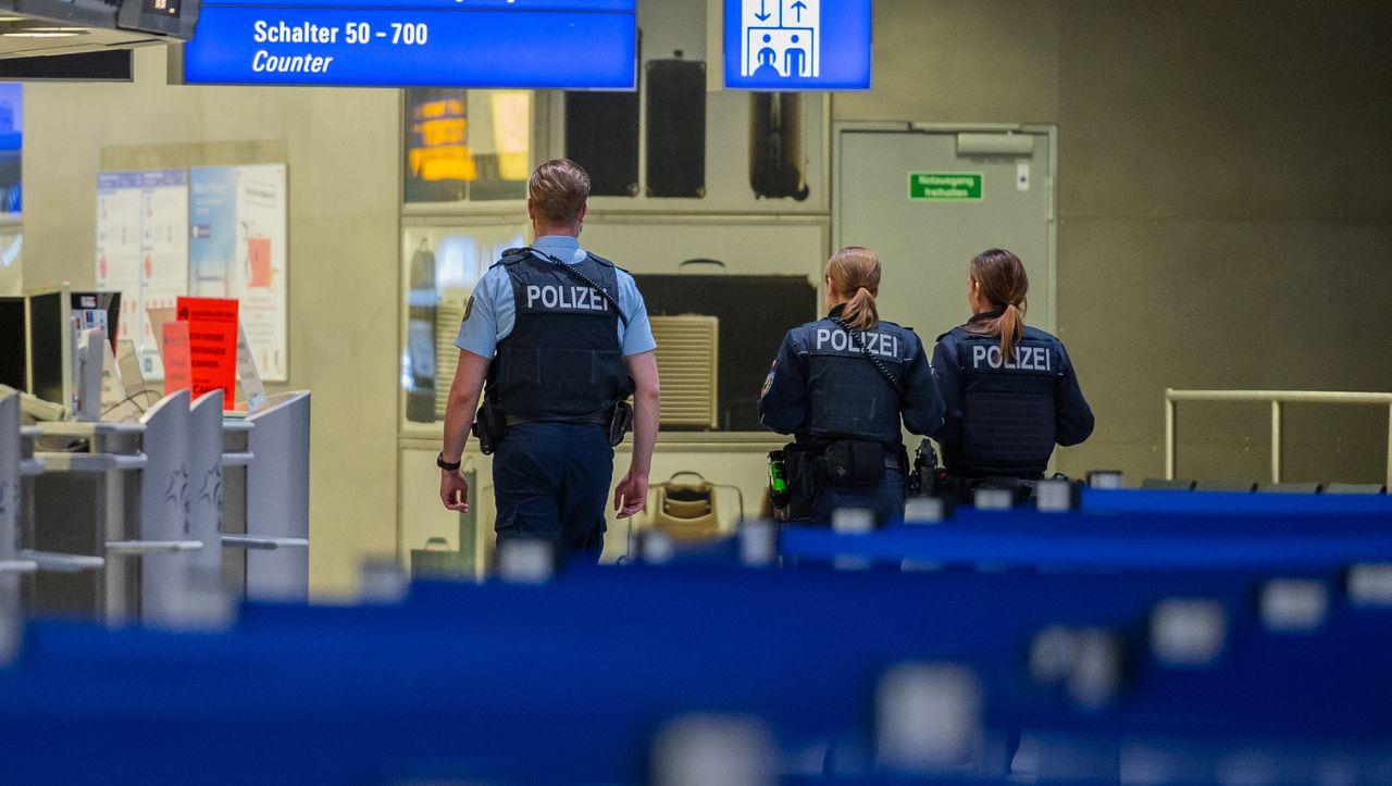 EU-Kommission für Verlängerung des Einreisestopps - DER SPIEGEL - Politik