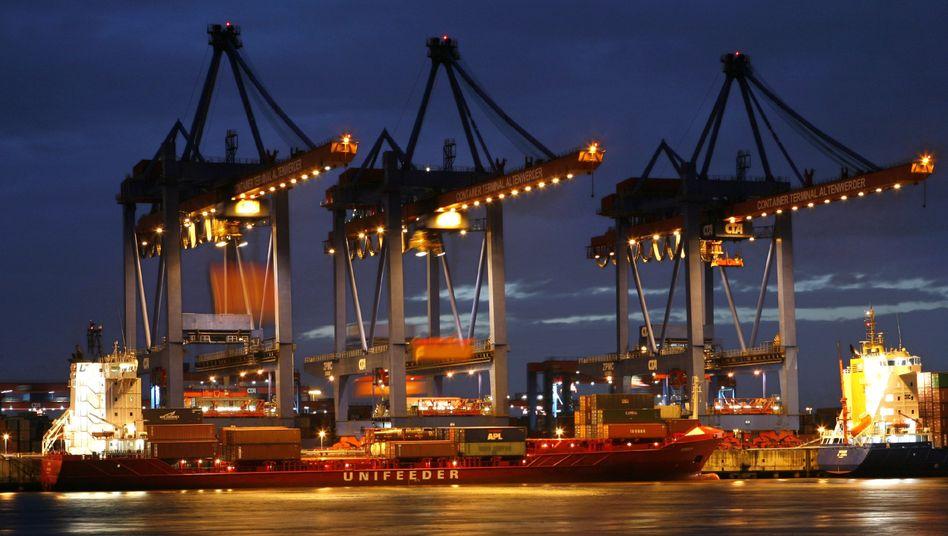 Hamburger Hafen: Regierung und Exporteure verteidigen deutsche Exportmacht