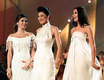 Robenschau: Miss Panama, Miss China und Miss Russland