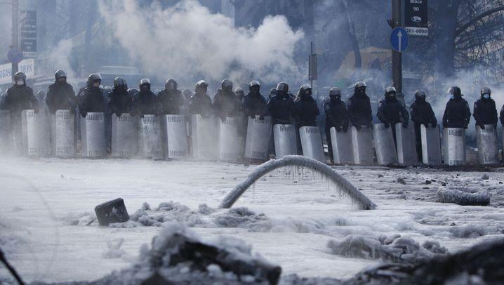 Machtkampf in der Ukraine: Demonstranten besetzen Justizministerium