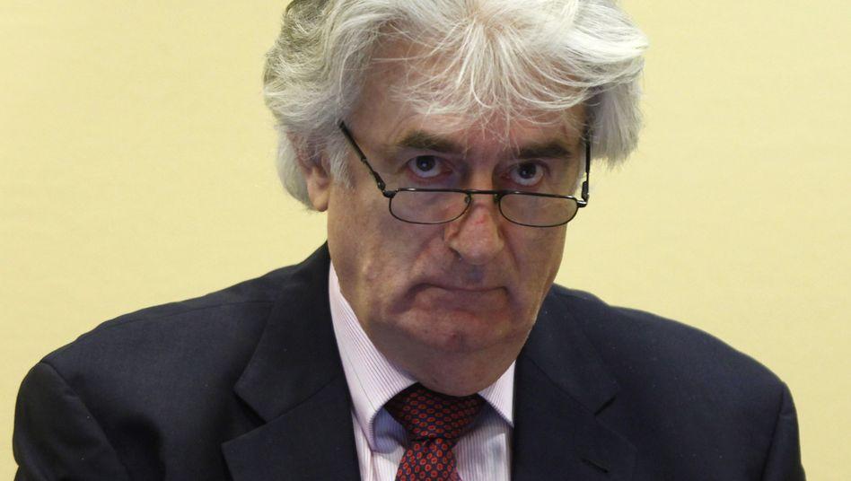 Prozess in Den Haag: Karadzic macht bosnische Muslime für Krieg verantwortlich