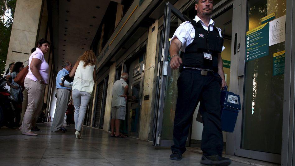 Geldautomat in Athen: Griechenlands Banken öffnen am Montag wieder