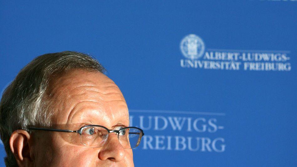 Ex-Rektor Jäger: Hat die Vorwürfe stets dementiert
