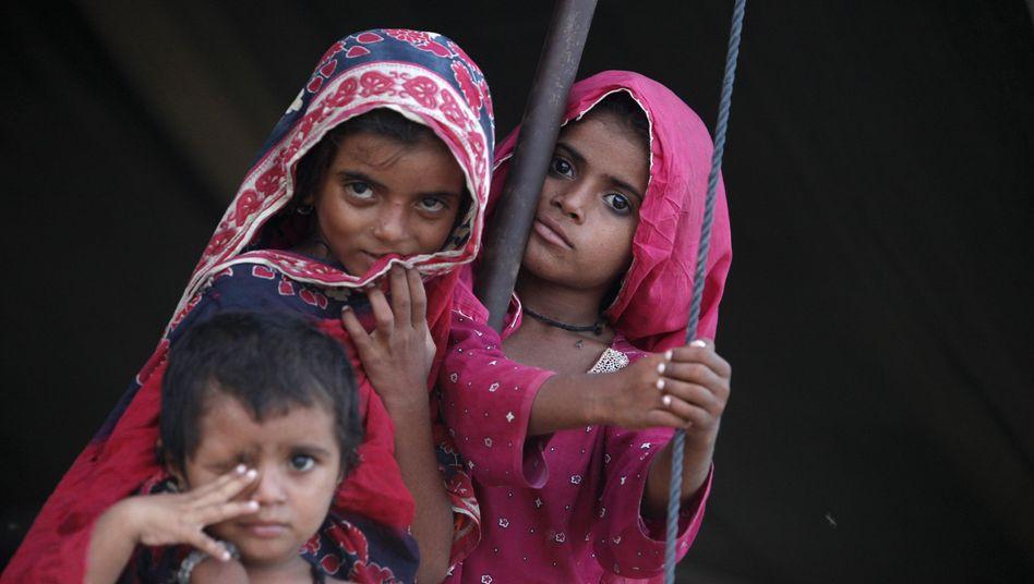 Kinder in Flüchtlingslager in Pakistan (Archivbild): Der Uno-Bildungsplan droht zu scheitern